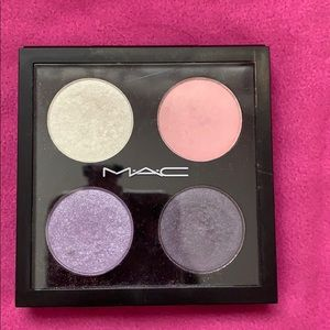 MAC Cosmetics eyeshadow quad 🦄